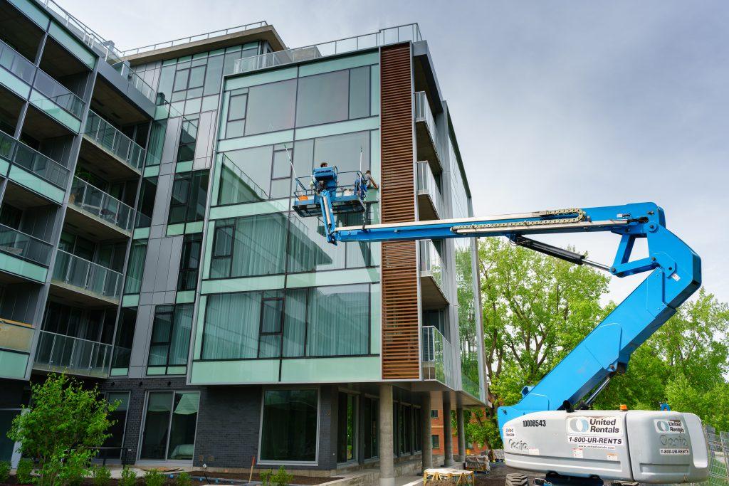 Lavage de vitres en hauteur | Groupe Impec
